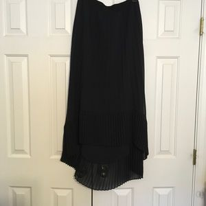 Madison  Curvy Pleated High Low Skirt NWOT